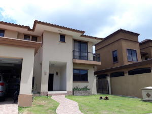 Casa En Ventaen Panama, Clayton, Panama, PA RAH: 18-1460