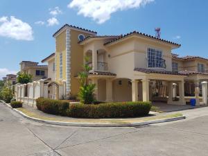 Casa En Ventaen Panama, Condado Del Rey, Panama, PA RAH: 18-1479
