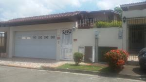 Casa En Ventaen Panama, La Alameda, Panama, PA RAH: 18-1904