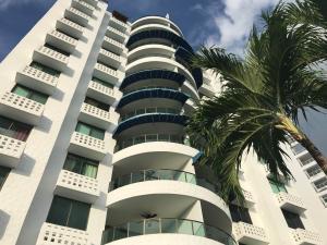 Apartamento En Ventaen Rio Hato, Playa Blanca, Panama, PA RAH: 17-150