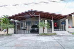 Casa En Ventaen San Miguelito, Brisas Del Golf, Panama, PA RAH: 18-2385