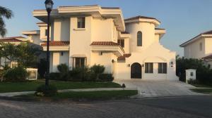 Casa En Ventaen Panama, Santa Maria, Panama, PA RAH: 18-2388
