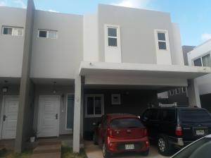 Casa En Ventaen San Miguelito, Brisas Del Golf, Panama, PA RAH: 18-2526