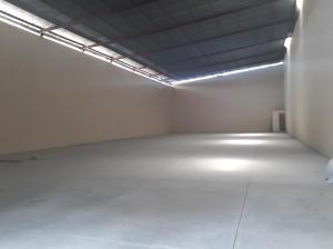 Galera En Ventaen Panama, Juan Diaz, Panama, PA RAH: 18-2613