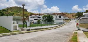 Terreno En Ventaen Panama, Condado Del Rey, Panama, PA RAH: 18-2678