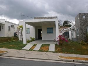 Casa En Ventaen San Carlos, San Carlos, Panama, PA RAH: 18-2771