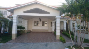 Casa En Ventaen San Miguelito, Brisas Del Golf, Panama, PA RAH: 18-2829