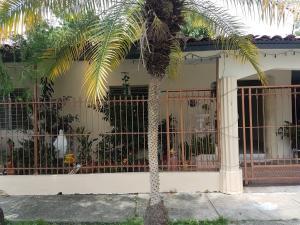 Casa En Alquileren Panama, Chanis, Panama, PA RAH: 18-3058