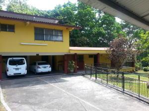 Casa En Ventaen Panama, Las Cumbres, Panama, PA RAH: 18-3167