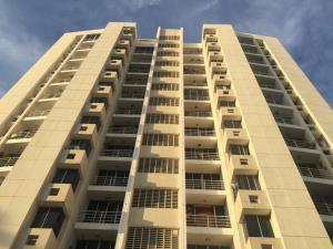 Apartamento En Ventaen Panama, Carrasquilla, Panama, PA RAH: 18-3271