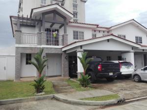 Casa En Alquileren Panama, Versalles, Panama, PA RAH: 18-3283