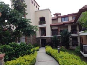 Apartamento En Ventaen Panama, Clayton, Panama, PA RAH: 18-3520