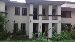 Townhouse En Ventaen Panama, Clayton, Panama, PA RAH: 18-3733