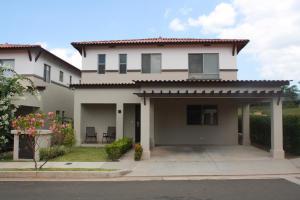 Casa En Alquileren Panama, Panama Pacifico, Panama, PA RAH: 18-3762