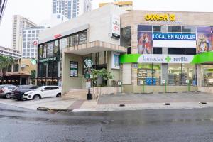 Local Comercial En Alquileren Panama, Obarrio, Panama, PA RAH: 18-3853