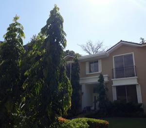 Casa En Ventaen Panama, Clayton, Panama, PA RAH: 18-4199