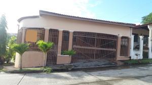 Casa En Ventaen Panama, Brisas Del Golf, Panama, PA RAH: 18-4254