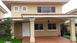 Casa En Ventaen Panama, Brisas Del Golf, Panama, PA RAH: 18-4365