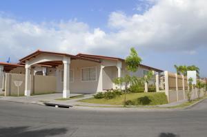 Casa En Ventaen Panama Oeste, Arraijan, Panama, PA RAH: 18-4461