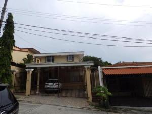 Casa En Ventaen Panama, Villa De Las Fuentes, Panama, PA RAH: 18-4649