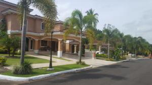 Casa En Ventaen Panama, Clayton, Panama, PA RAH: 18-4700