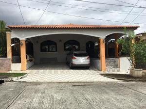 Casa En Ventaen Panama, Brisas Del Golf, Panama, PA RAH: 18-4826