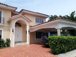 Casa En Alquileren Panama, Costa Del Este, Panama, PA RAH: 18-4930