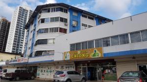 Apartamento En Alquileren Panama, Carrasquilla, Panama, PA RAH: 18-5895