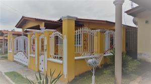 Casa En Ventaen Panama, Brisas Del Golf, Panama, PA RAH: 18-5984