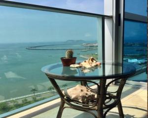 Apartamento En Alquileren Panama, Avenida Balboa, Panama, PA RAH: 18-6093