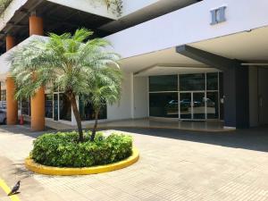 Apartamento En Ventaen Panama, El Cangrejo, Panama, PA RAH: 18-6259
