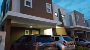 Casa En Ventaen Panama, Brisas Del Golf, Panama, PA RAH: 18-6311