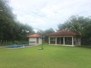 Terreno En Ventaen San Carlos, San Carlos, Panama, PA RAH: 18-6498