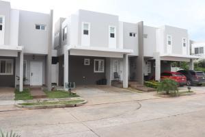 Casa En Ventaen Panama, Brisas Del Golf, Panama, PA RAH: 18-6530