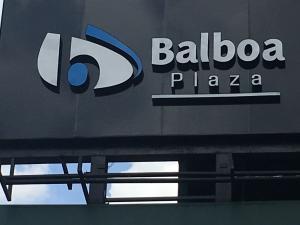 Local Comercial En Alquileren Panama, Avenida Balboa, Panama, PA RAH: 18-6544