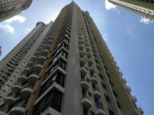 Apartamento En Alquileren Panama, San Francisco, Panama, PA RAH: 18-6554