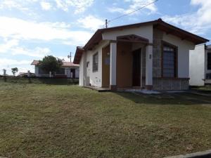 Casa En Alquileren Panama, Las Cumbres, Panama, PA RAH: 18-7023