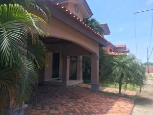 Casa En Alquileren Panama, Versalles, Panama, PA RAH: 18-7217
