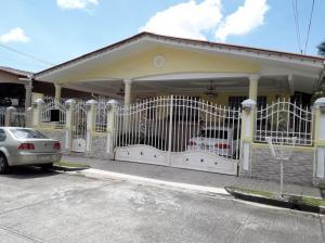 Casa En Ventaen Panama, Brisas Del Golf, Panama, PA RAH: 18-7245