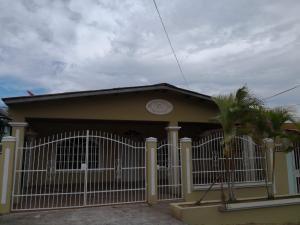 Casa En Ventaen Panama, Las Cumbres, Panama, PA RAH: 18-7298