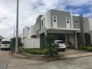 Casa En Ventaen Panama, Brisas Del Golf, Panama, PA RAH: 18-7335