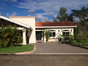 Casa En Ventaen Panama, Brisas Del Golf, Panama, PA RAH: 18-7399