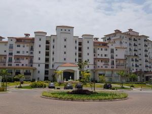 Apartamento En Alquileren Panama, Santa Maria, Panama, PA RAH: 18-7654