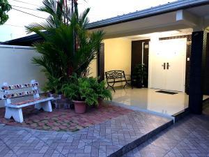 Casa En Ventaen Panama, Condado Del Rey, Panama, PA RAH: 18-7704