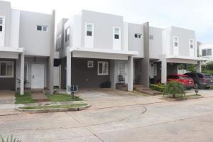 Casa En Alquileren San Miguelito, Brisas Del Golf, Panama, PA RAH: 18-8207