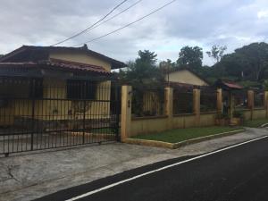 Casa En Alquileren Panama, Las Cumbres, Panama, PA RAH: 18-8404