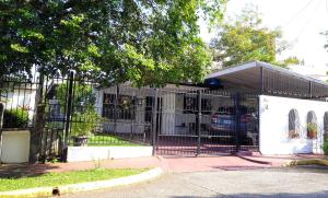 Casa En Ventaen Panama, El Dorado, Panama, PA RAH: 18-8649