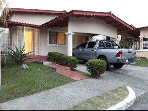 Casa En Alquileren Panama, Brisas Del Golf, Panama, PA RAH: 19-190