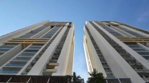 Apartamento En Alquileren Panama, San Francisco, Panama, PA RAH: 19-333