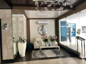 Apartamento En Ventaen Panama, Obarrio, Panama, PA RAH: 19-430